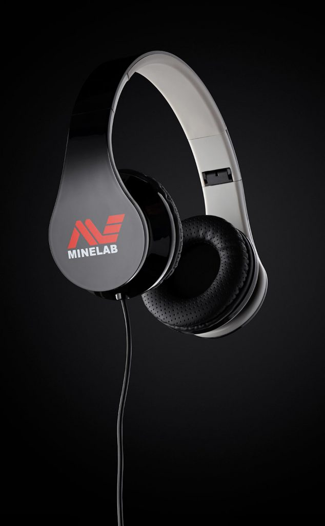 Headphone Wired Product Photography